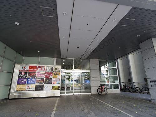 ラットタット JR札幌駅前店が入っている札幌TRビルの入口