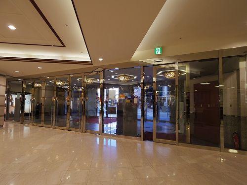 東武百貨店の1階出入口