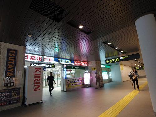 大通駅の改札を出て10番出口へ