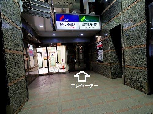 エピレ仙台店が入っている井門仙台駅前ビルの1階エレベーター