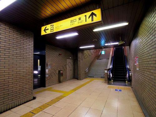 広瀬通駅の改札を出たら出口 東1から地上へ