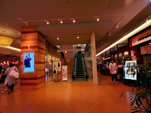 仙台パルコ2の1階にあるエスカレーター
