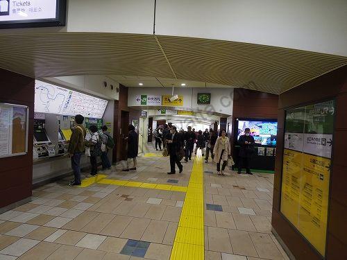 左手にJR吉祥寺駅の中央改札があります