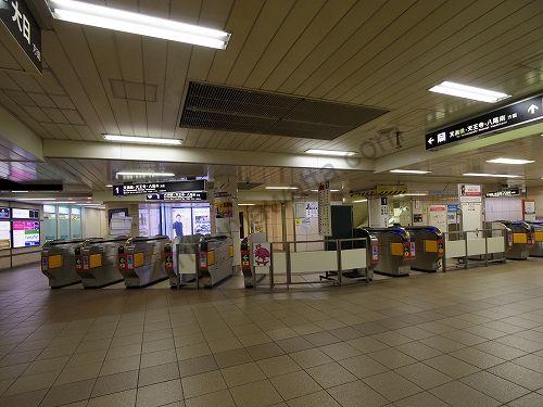 地下鉄谷町線東梅田駅の改札は一カ所です