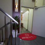 銀座カラー 梅田曽根崎店のサロン入口