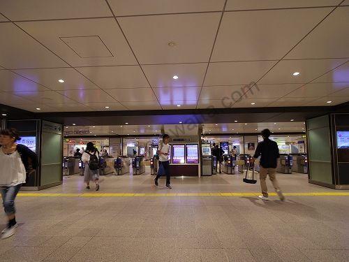 梅田駅に着いたら2階の中央改札口から出ます