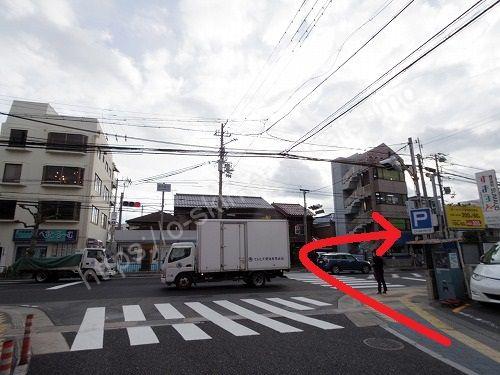 駅前の交差点