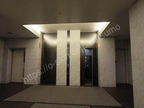 ビル内のエレベーターホール