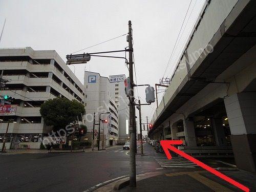 西1番ガードの交差点